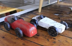 Troja wooden car toy