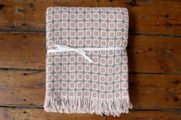 Corona Blanket in Grey/Rose