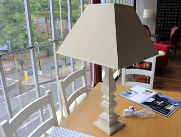 Natural square wooden table lamp