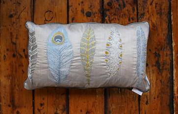 Samui natural cushion