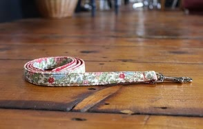 Alice floral dog lead