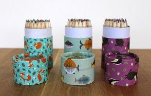 Illustrated animal colouring pencil set