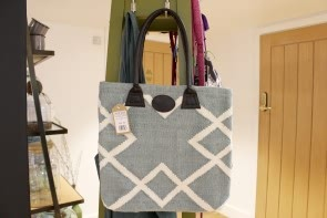 Geometric Woven Bag in Green