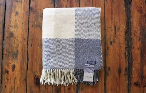 Foxford grey and cream cashmere throw