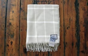 Foxford bone glen check blanket