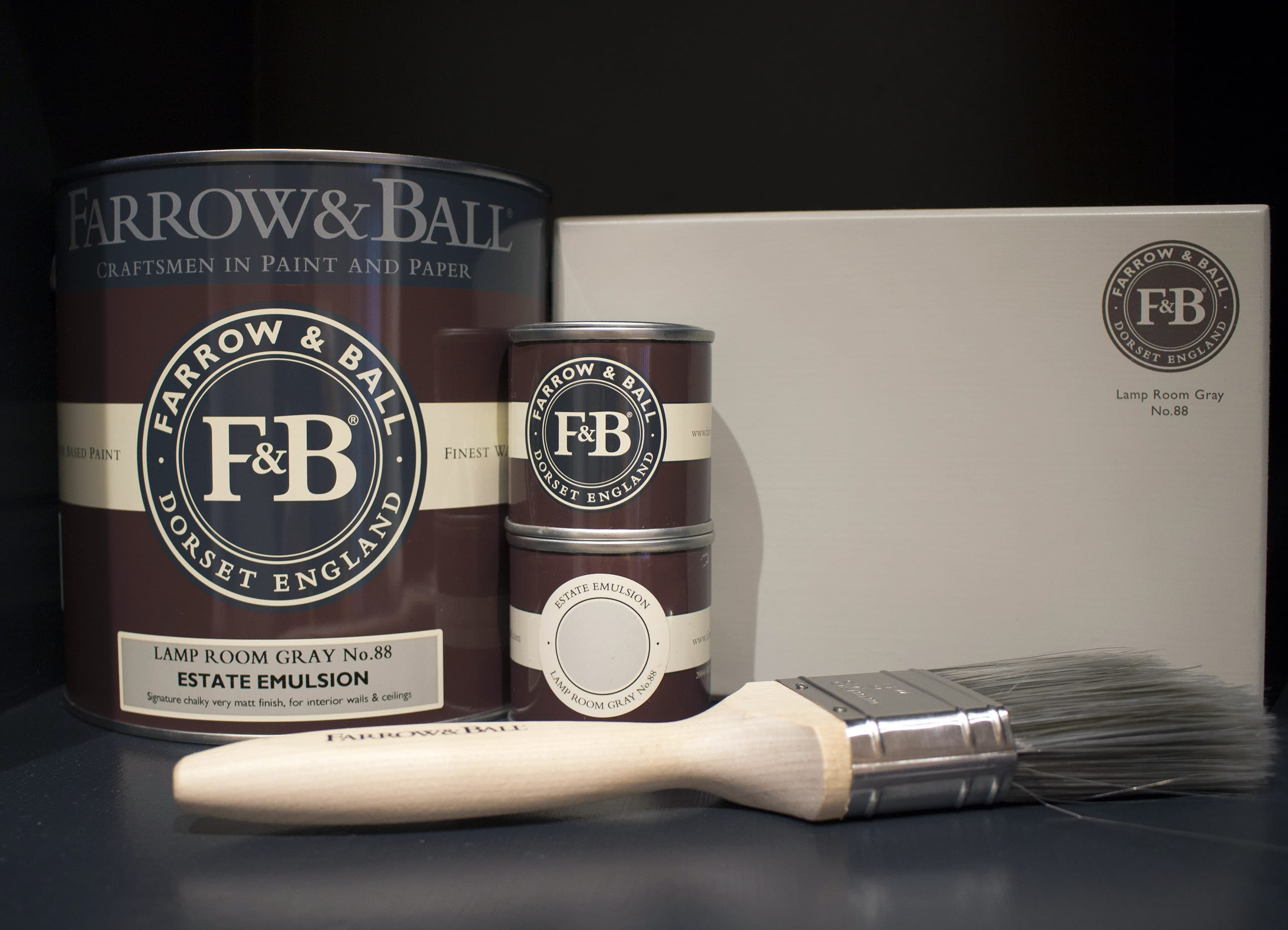 farrow&ball, farrow and ball, paint, decorating, paint brush, lamp room gray