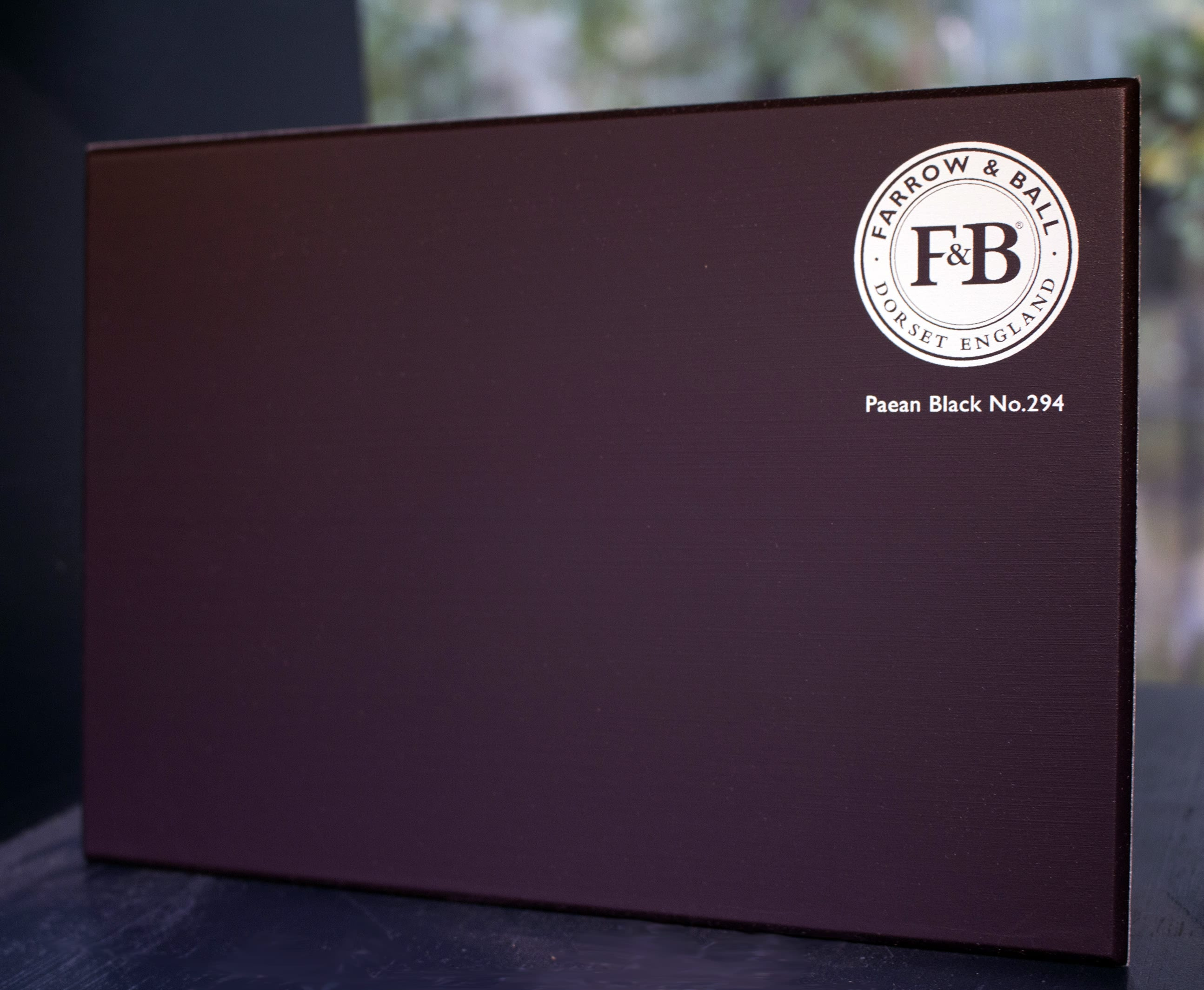 farrow&ball, farrow and ball, paint, decorating, paint brush,paean black
