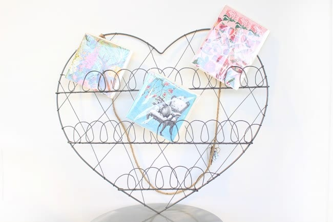 heart card holder