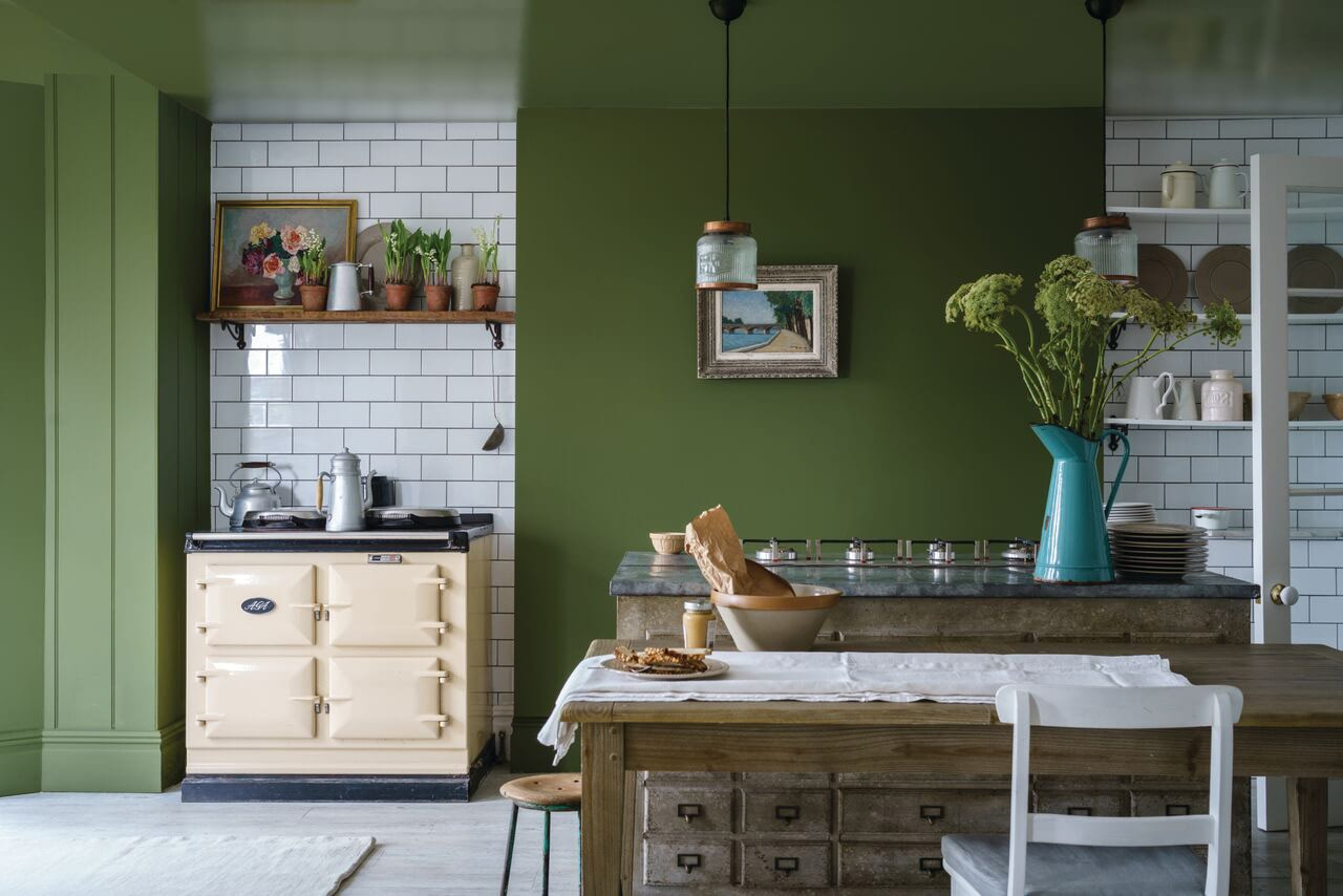 farrow&ball, farrow and ball, paint, decorating, paint brush, bancha