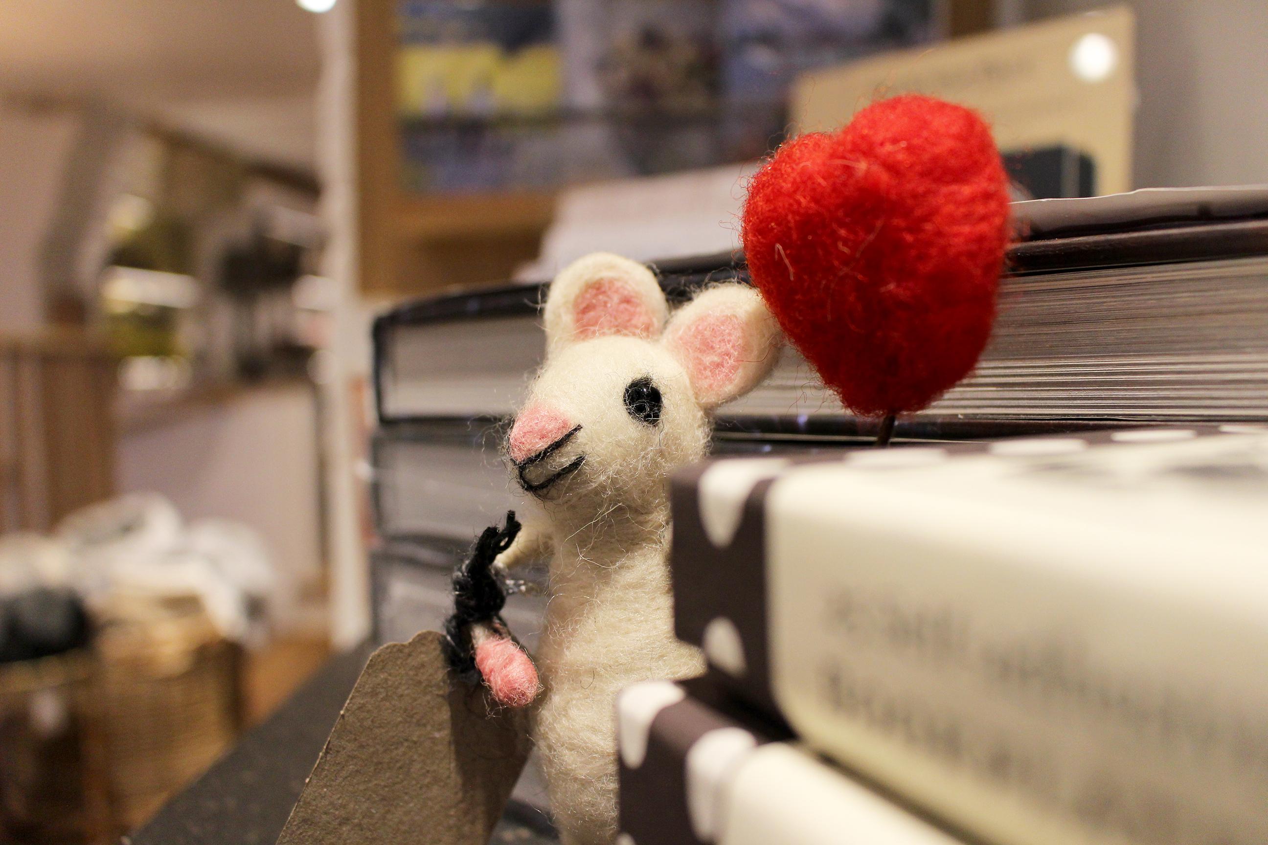 Happy Heart Mouse Balloon